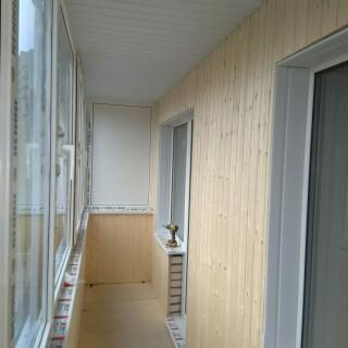 Балкон с обивкой 3